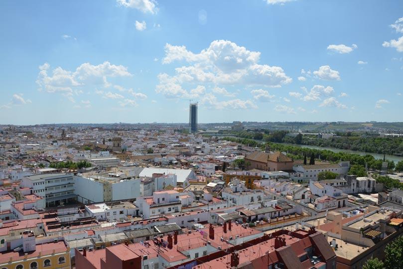 Panorámica de Sevilla con la Torre Pelli al fondo