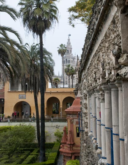 Patio de los Reales Alcázares de Sevilla