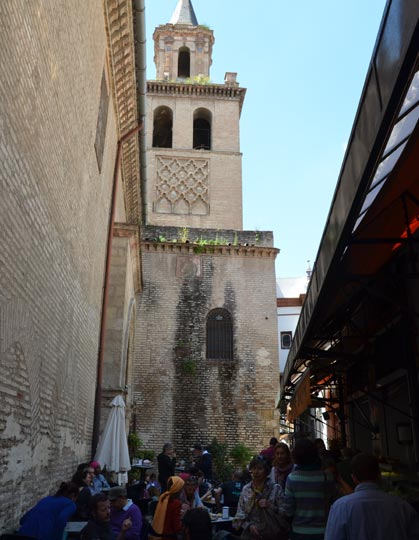Lateral del Mercado de calle feria